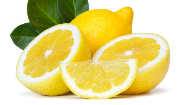 lemon for dry lips